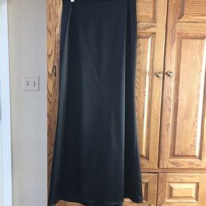 JS collection -Formal black skirt